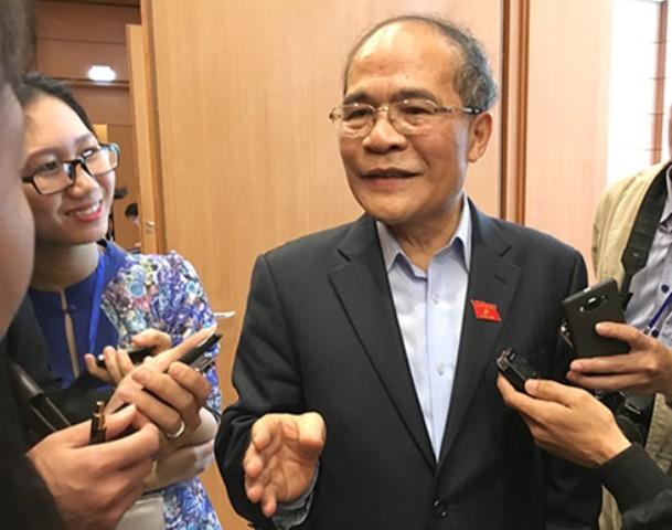 Hôm nay, trình miễn nhiệm Chủ tịch Quốc hội Nguyễn Sinh Hùng - ảnh 1