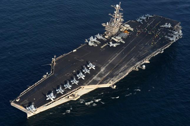 Mỹ điều tàu sân bay tuần tra Biển Đông, 'nắn gân' Trung Quốc - ảnh 1