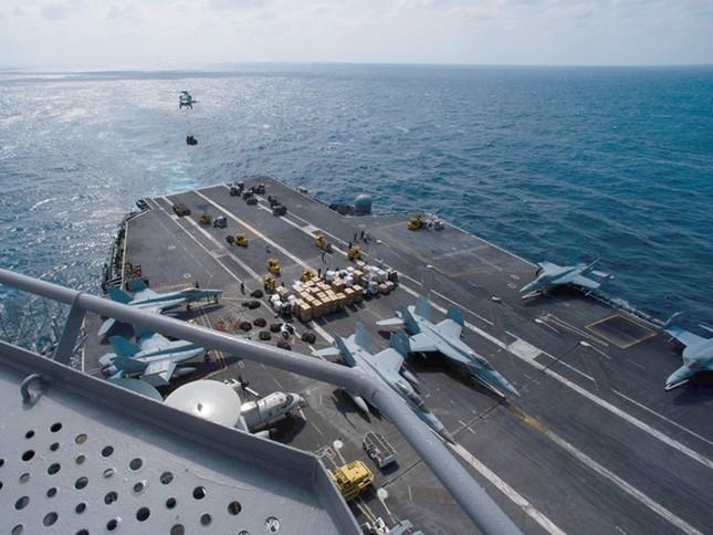 Mỹ điều tàu sân bay tuần tra Biển Đông, 'nắn gân' Trung Quốc - ảnh 2