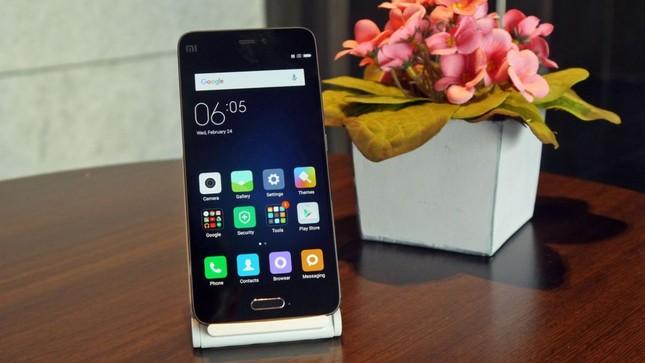 Hàng 'hot' Xiaomi Mi 5 về Việt Nam với giá từ 8,9 triệu đồng - ảnh 1