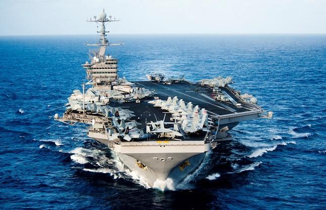 Sức mạnh tàu sân bay USS John C. Stennis Mỹ điều đến Biển Đông - ảnh 2