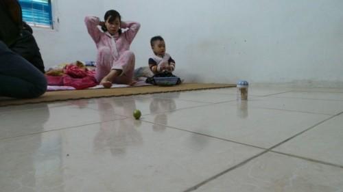 Cận cảnh nhà nứt dọa sập uy hiếp người dân ở khu đắt đỏ Hà Nội - ảnh 10