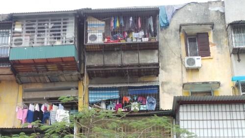 Cận cảnh nhà nứt dọa sập uy hiếp người dân ở khu đắt đỏ Hà Nội - ảnh 8