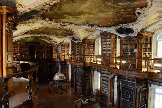 Choáng ngợp với các thư viện lộng lẫy nhất thế giới - ảnh 4
