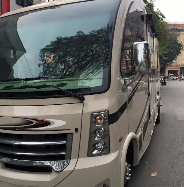 """""""Boeing 797"""" lăn bánh gây sốt trên đường phố Hà Nội - ảnh 5"""