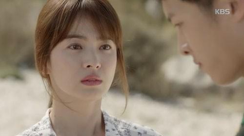 Song Joong Ki - Song Hye Kyo và nụ hôn 'bão' hậu duệ của mặt trời - ảnh 6