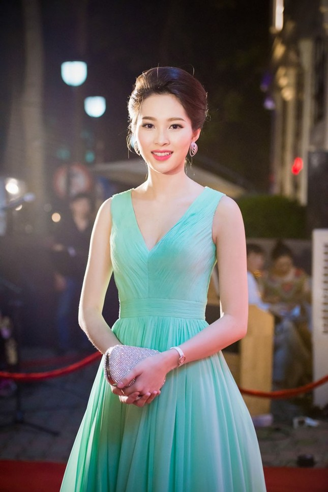 Hoa hậu Đặng Thu Thảo: 'Nên tịch thu tài sản người ngoại tình' - ảnh 2