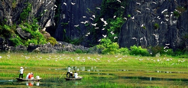 Khám phá vẻ đẹp mê hồn của 'vịnh không sóng' Vân Long - ảnh 2