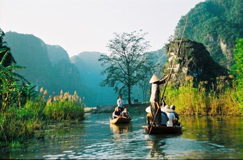 Khám phá vẻ đẹp mê hồn của 'vịnh không sóng' Vân Long - ảnh 3