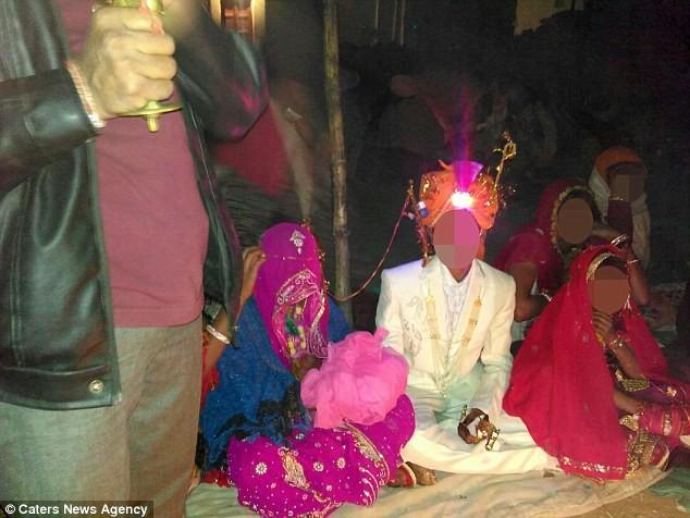 Đám cưới bí mật của cô dâu 2 tuổi gây sốc ở Ấn Độ - ảnh 1