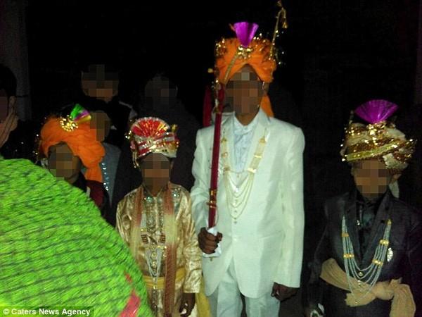 Đám cưới bí mật của cô dâu 2 tuổi gây sốc ở Ấn Độ - ảnh 3