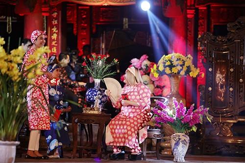 Hoa hậu Ngọc Hân trình diễn áo dài cùng người khuyết tật - ảnh 16