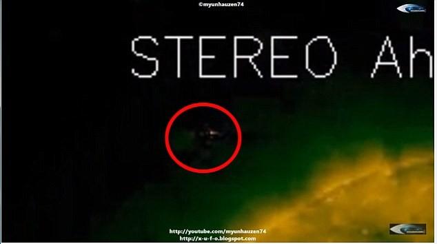 UFO đang 'điều khiển' cả Mặt trời? - ảnh 2