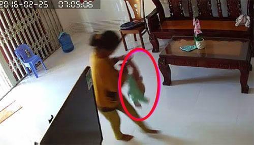 Bắt đầu điều tra vụ bảo mẫu bạo hành bé 8 tháng tuổi - ảnh 1