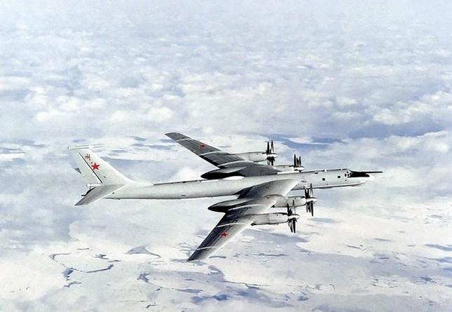 Chiến cơ 'khủng' của Nga tuần tiễu Biển Đông - ảnh 2