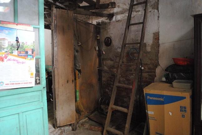 Nhà sắp sập không được sửa, nữ sinh cầu cứu Chủ tịch Hà Nội - ảnh 4