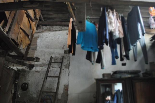 Nhà sắp sập không được sửa, nữ sinh cầu cứu Chủ tịch Hà Nội - ảnh 5