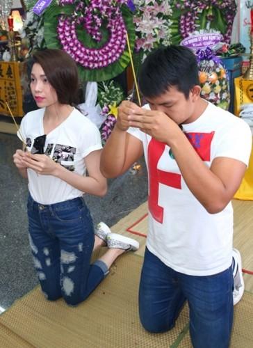 Mỹ Tâm, Hà Hồ... gặp bão dư luận vì 'tai bay vạ gió' tại đám tang - ảnh 4