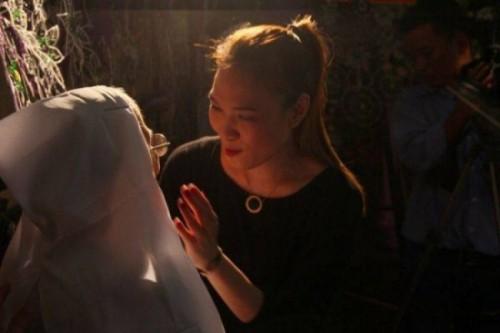 Mỹ Tâm, Hà Hồ... gặp bão dư luận vì 'tai bay vạ gió' tại đám tang - ảnh 2