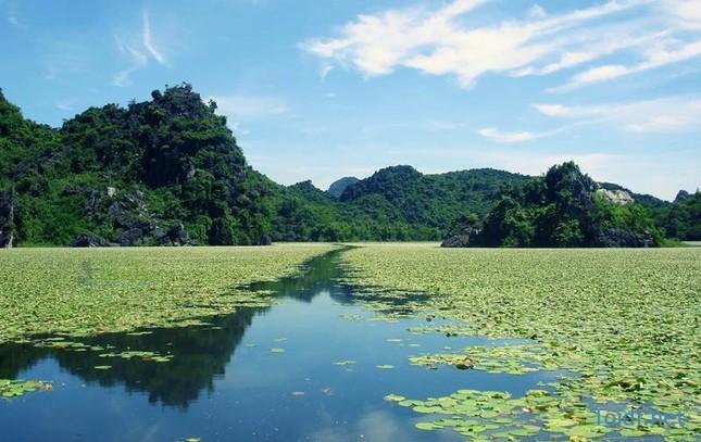 Vẻ đẹp của 6 địa điểm mệnh danh 'Vịnh Hạ Long trên cạn' xứ Bắc - ảnh 1