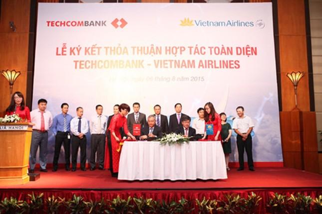 Vietnam Airlines 'khai sinh' hãng hàng không mới - ảnh 1