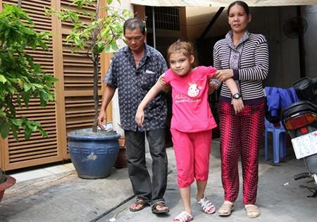 Cháu nội vua Thành Thái làm phụ hồ, ở nhà thuê 12m2 tại Sài Gòn - ảnh 3