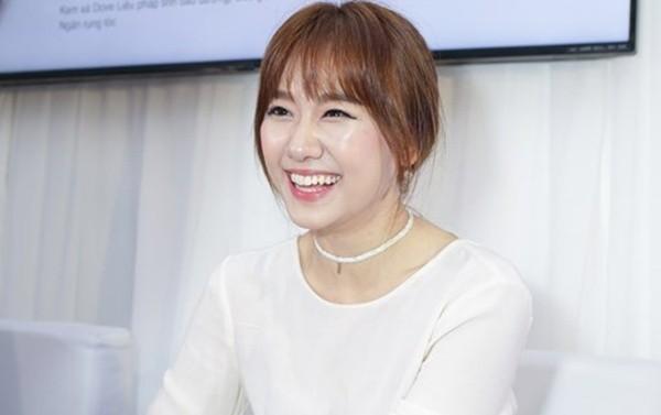 Hari Won rạng rỡ cười thả ga sau scandal 'rạn nứt' với Trấn Thành - ảnh 1