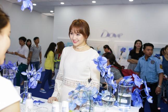 Hari Won rạng rỡ cười thả ga sau scandal 'rạn nứt' với Trấn Thành - ảnh 3