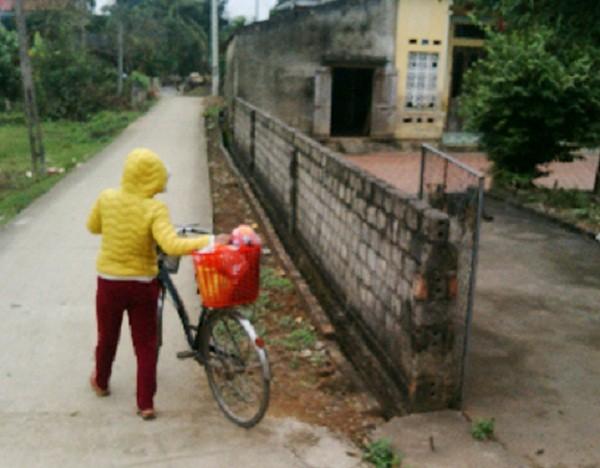Cán bộ xã khiến nữ sinh mang bầu: Đứa bé được hỏi mua - ảnh 1