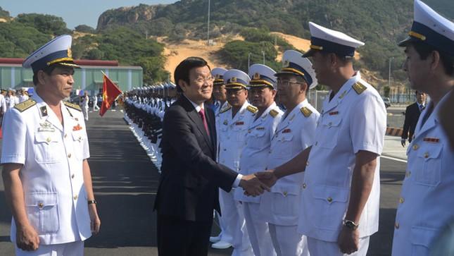 Khai trương Cảng quốc tế Cam Ranh, đón tàu quân sự, tàu khách - ảnh 1