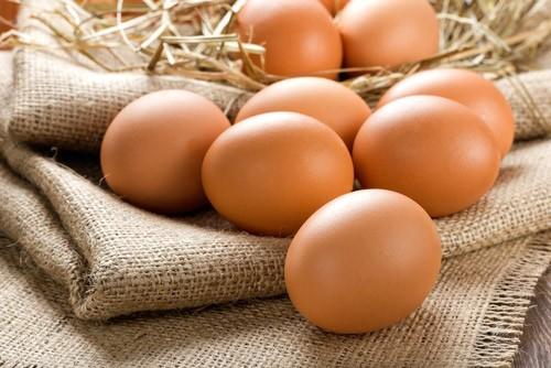 Sai lầm khi bảo quản trứng trong tủ lạnh bạn nên biết - ảnh 1