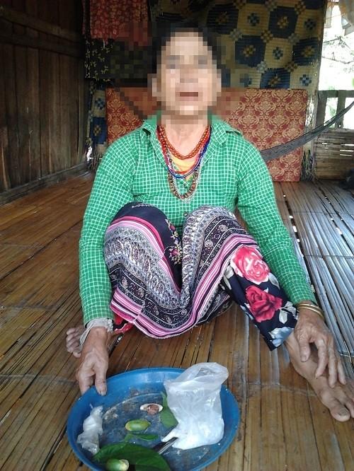 Cả nhà bị xa lánh vì con gái đẹp có tiếng tự tử để giữ chồng - ảnh 2