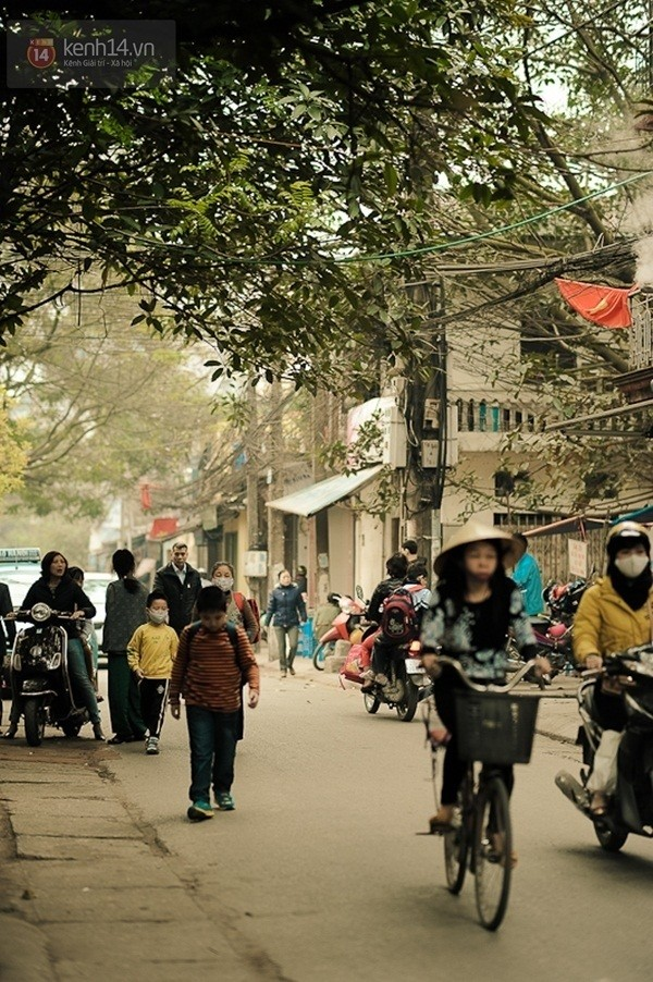 Trên con phố cả năm là Quốc tế Phụ nữ giữa lòng Hà Nội - ảnh 9