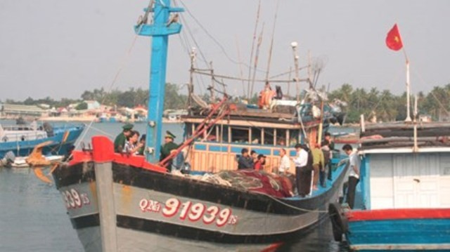 Ngư dân kể lại vụ tàu Trung Quốc cướp phá tàu cá Việt - ảnh 1