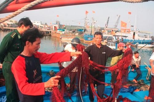 Ngư dân kể lại vụ tàu Trung Quốc cướp phá tàu cá Việt - ảnh 3