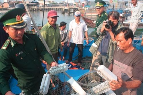 Ngư dân kể lại vụ tàu Trung Quốc cướp phá tàu cá Việt - ảnh 4