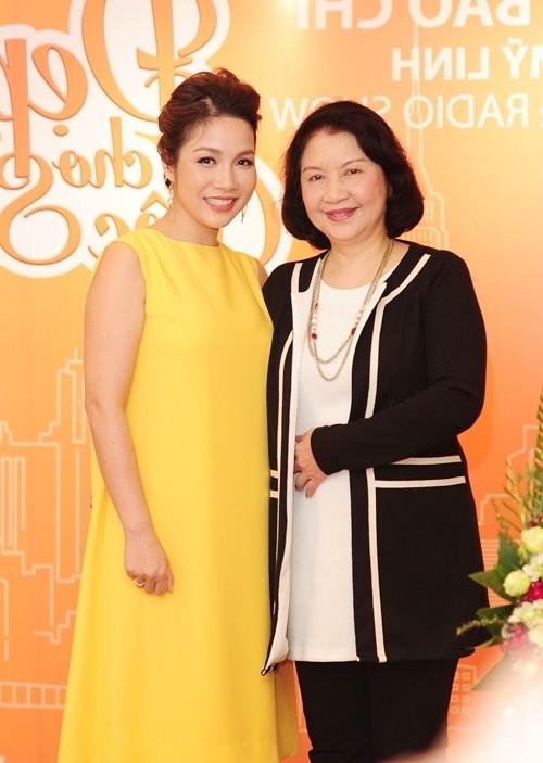 Những bà mẹ chồng xinh đẹp, quyền lực bậc nhất của mỹ nhân Việt - ảnh 1