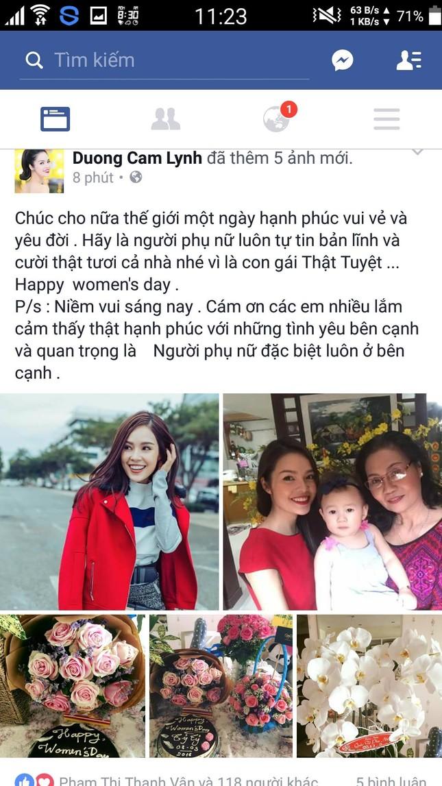 Mỹ nhân Việt hào hứng 'đua nhau' khoe quà 8/3 - ảnh 1