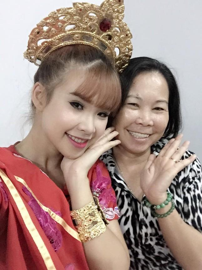 Mỹ nhân Việt hào hứng 'đua nhau' khoe quà 8/3 - ảnh 5