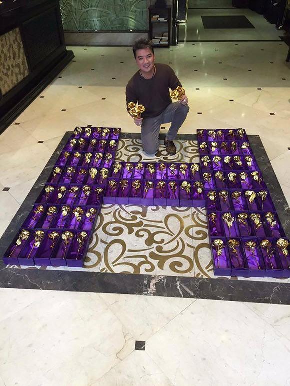 'Sáng mắt' với 200 bông hồng bằng vàng Mr Đàm dành tặng fan 8/3 - ảnh 2