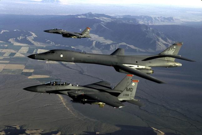 Sức mạnh máy bay B-1 Mỹ triển khai ở Australia đối phó Trung Quốc - ảnh 1