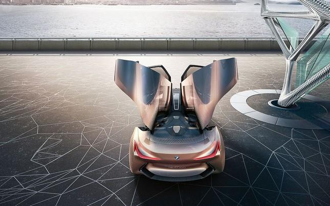 BMW tự hào khoe dòng xe tự lái tương lai – Vision Next 100 - ảnh 4