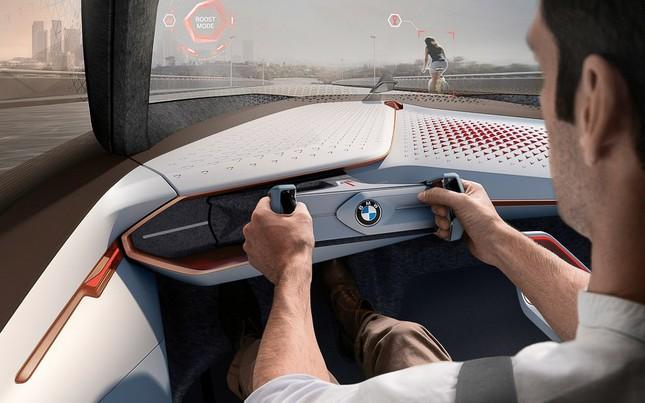 BMW tự hào khoe dòng xe tự lái tương lai – Vision Next 100 - ảnh 2