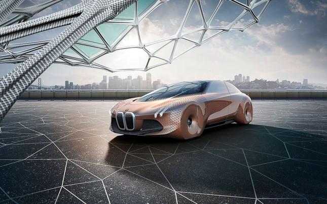BMW tự hào khoe dòng xe tự lái tương lai – Vision Next 100 - ảnh 1