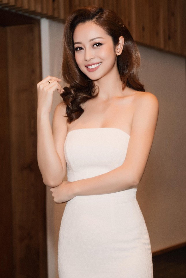 Jennifer Phạm lên 'soán ngôi nữ hoàng giải trí' của Hồ Ngọc Hà? - ảnh 2