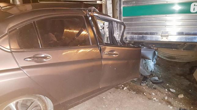 Đồng Nai: Ô tô tông xe máy kinh hoàng, một phụ nữ tử vong - ảnh 2
