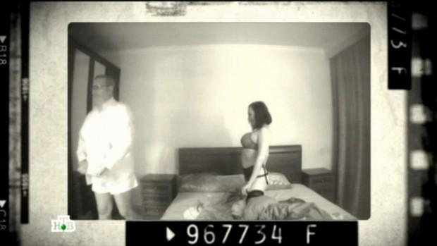 Lộ clip sex đối thủ chính trị của ông Putin và nữ trợ lý - ảnh 1