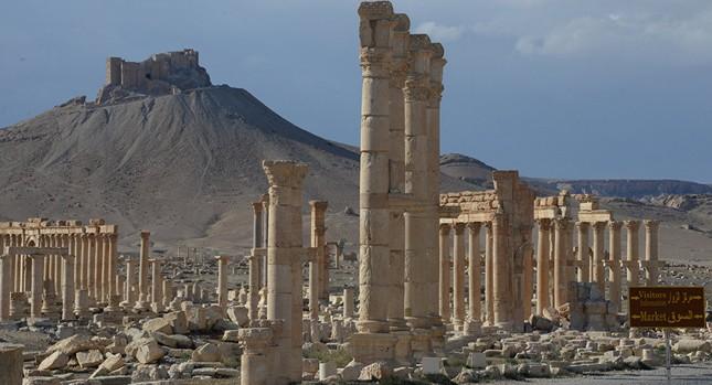 IS kiếm được 200 triệu USD nhờ bán cổ vật Palmyra - ảnh 1