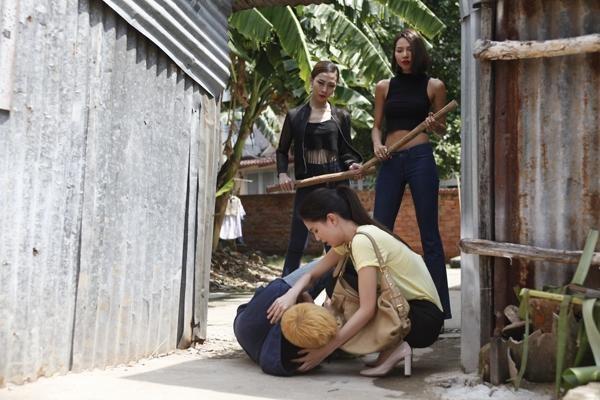 Minh Triệu từng lo sợ khi nhận vai bán dâm ở phim của Ngọc Trinh - ảnh 8