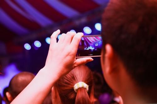 Hiệp Gà cưới vợ 3, cả ngàn người 'đổ bộ' đến xem văn nghệ - ảnh 15